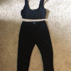 Matching Set ; Crop top & leggings